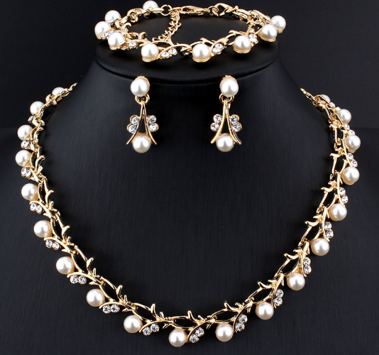 TripleClickscom Pearl necklace Goldcolor jewelry set for women