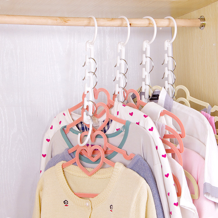 Changeable clothes hanger creative for Creative clothes hangers